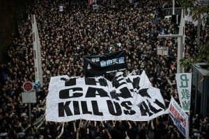 Protesters in Hong Kong rally for press freedom. Photo from Bloomberg.com